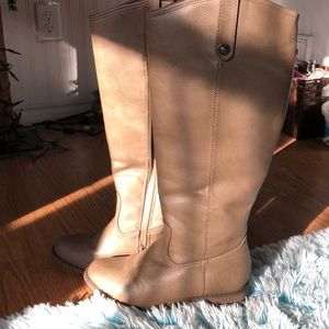 Adorable Breckelle boots!!
